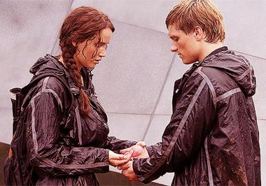 Movie Still: Katniss & Peeta at Cornucopia