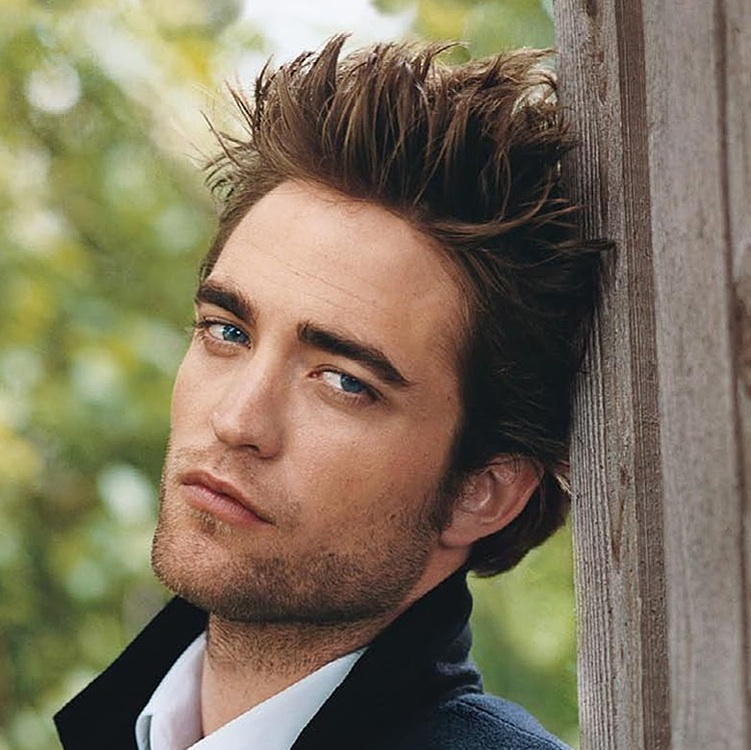 Robert Pattinson: Robert Pattinson Falls For Catching Fire Casting Rumor